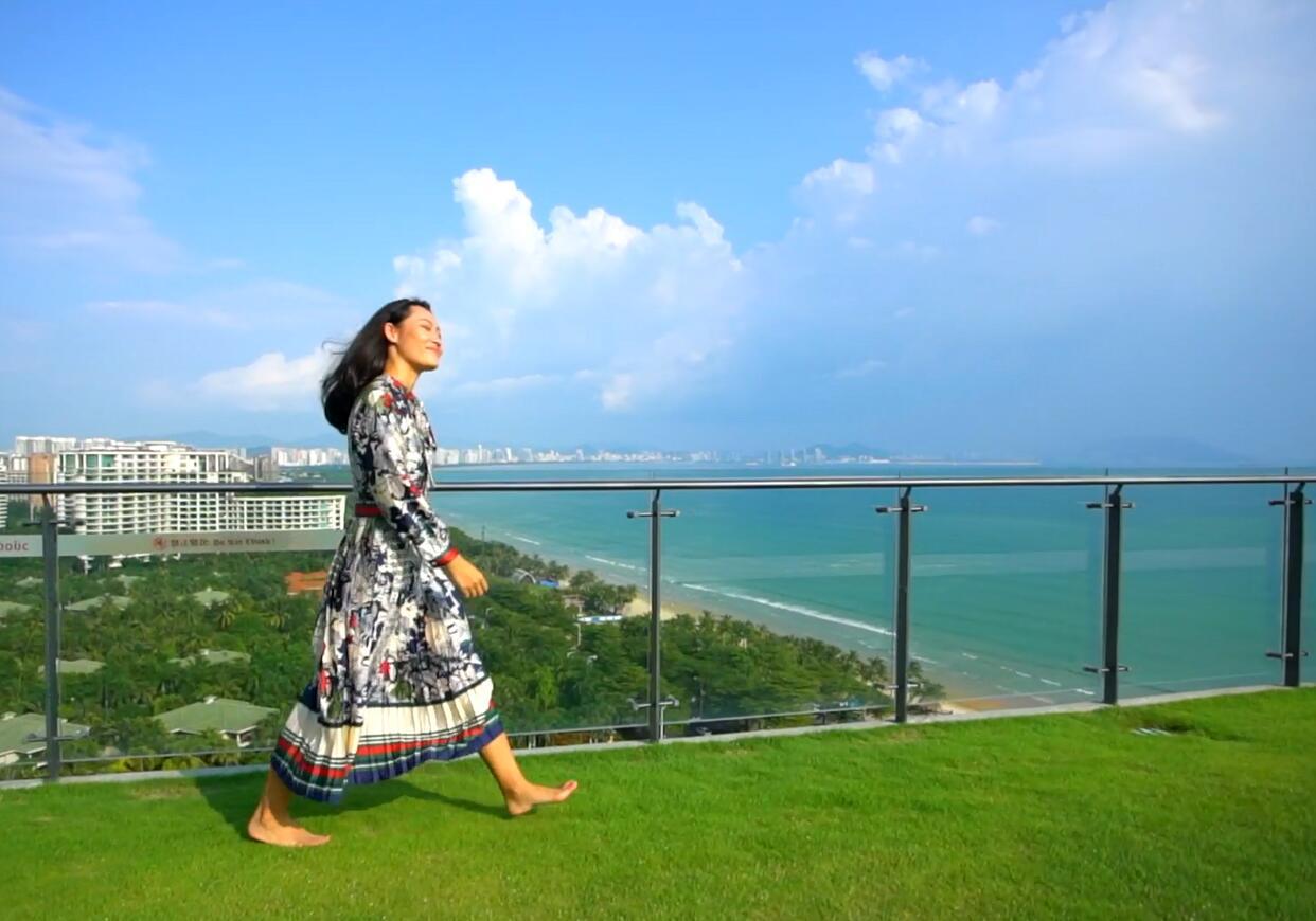 三亚酒店︱三亚湾康年酒店,新晋的网红打卡地-无边泳池